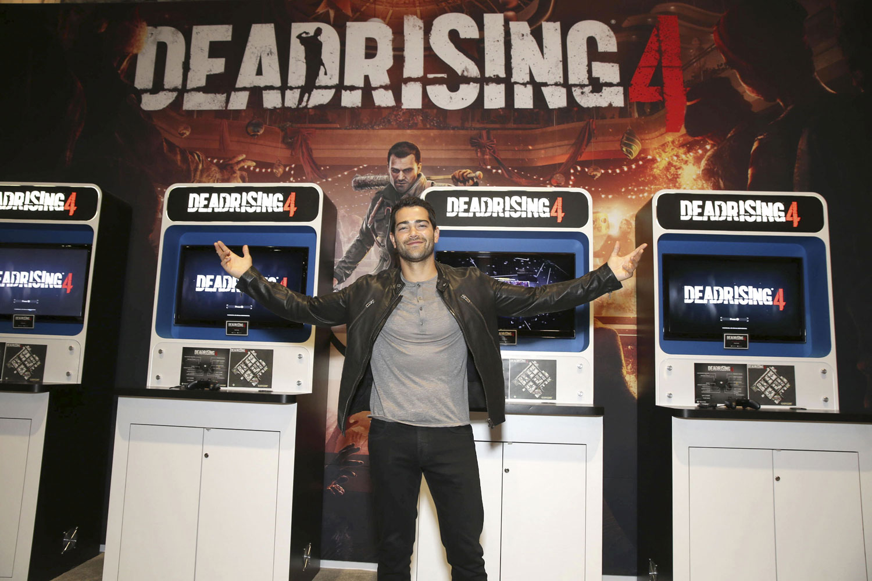 Dead Rising Endgame Star Jesse Metcalfe Plays Game At E3 Metal